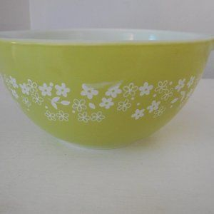 Vintage Pyrex Crazy Daisy Cinderella  Bowl 441